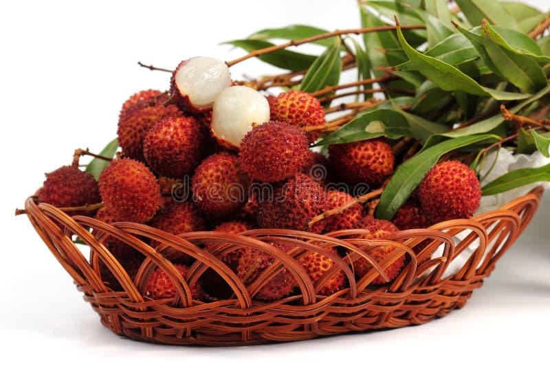 Свежий плодоовощ lychee в корзине стоковое изображение