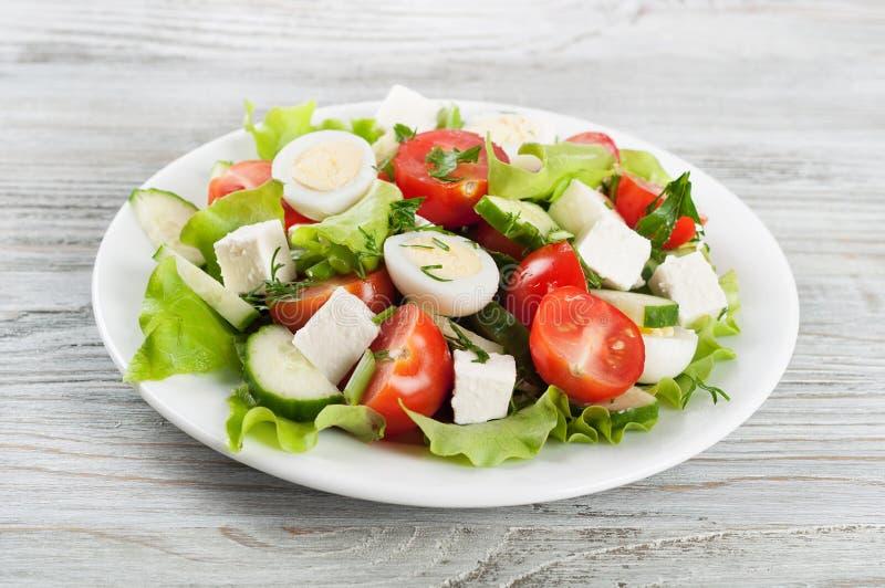 Свежий салат с яичками триперсток стоковое изображение