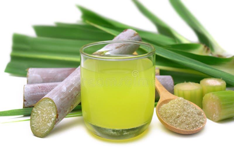 Свежий сжиманный сок сахарного тростника стоковые фото