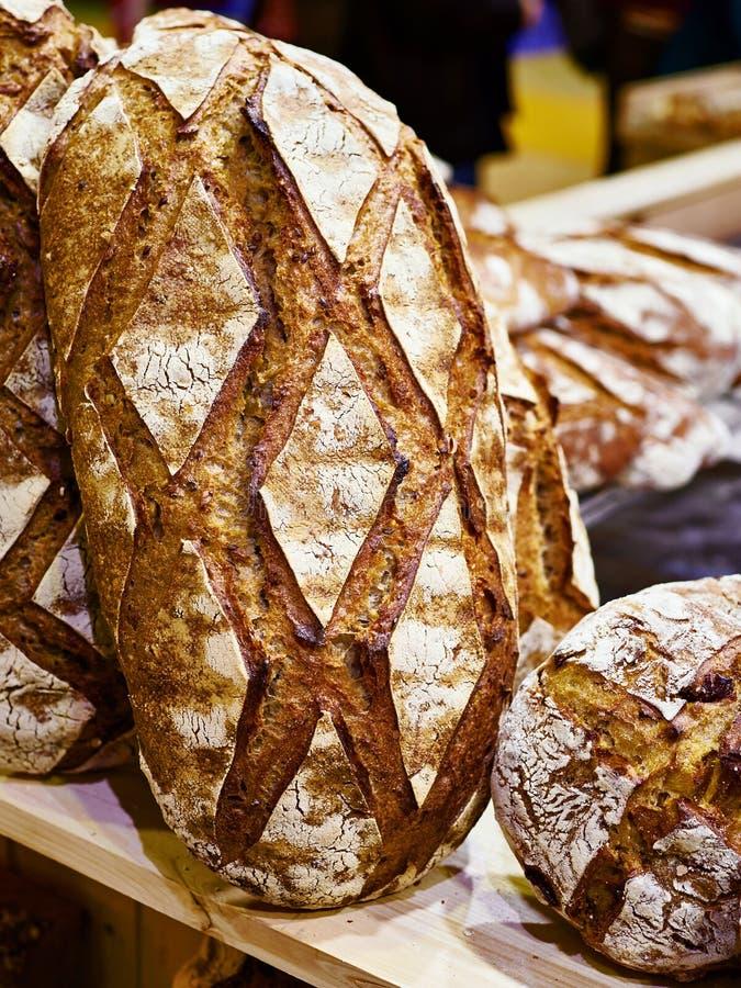 Свежий хлеб с коркой стоковые фотографии rf