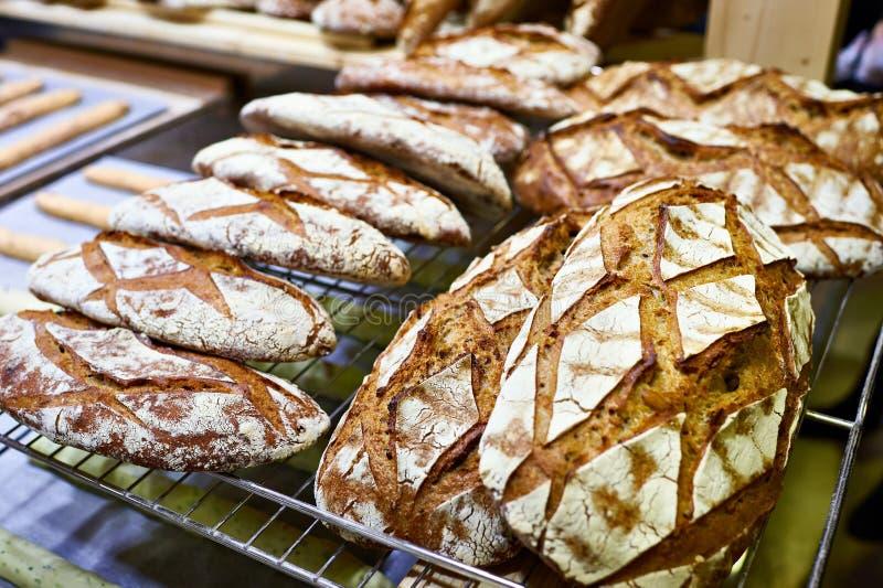 Свежий хлеб с коркой стоковое фото rf