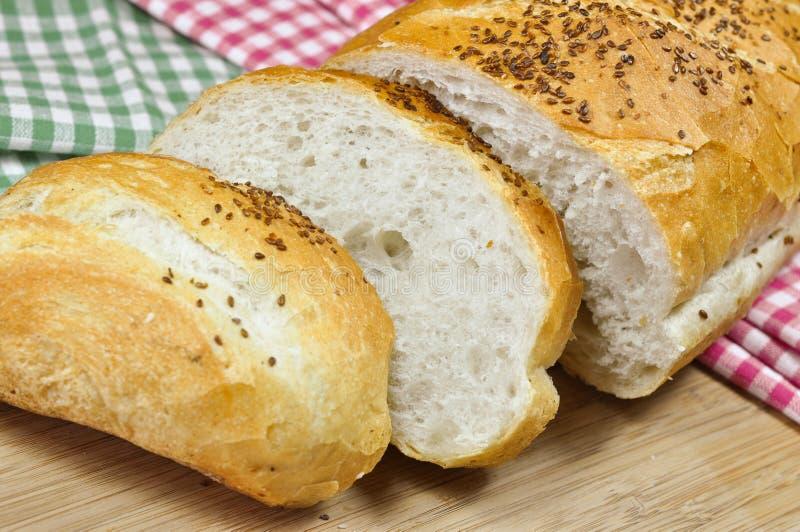 Download Свежий хлеб стоковое изображение. изображение насчитывающей backhoe - 37930517