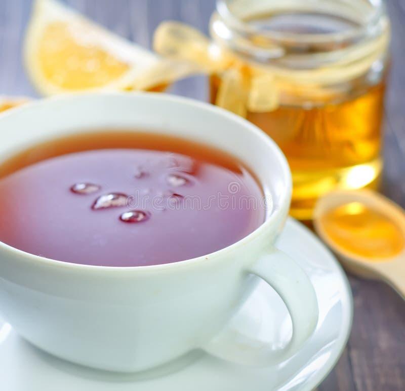 Download Свежий чай с медом стоковое изображение. изображение насчитывающей затишье - 41660155