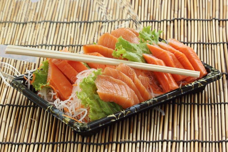 Свежий Salmon сасими установленный в коробку стоковые изображения rf