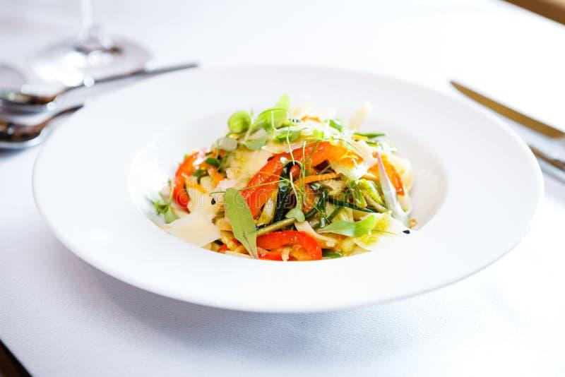 Свежий vegeterian салат стоковое изображение rf