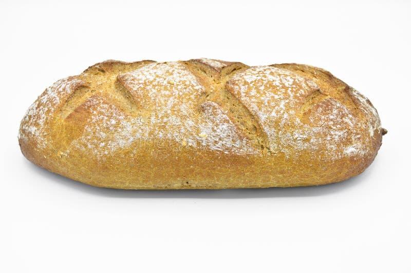 Свежо испекл свежий и очень вкусный традиционный хлеб рож стоковое фото rf