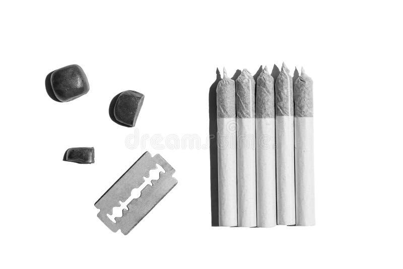 Свернутые сигареты пеньки стоковое фото