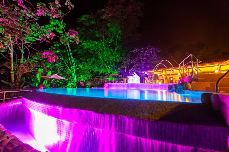 Света вечера на бассейне стоковые фотографии rf