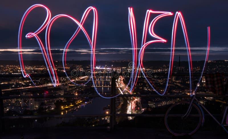 Света в городе Руана Франции стоковое фото rf