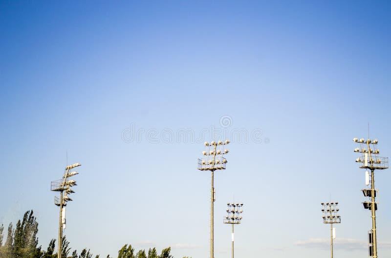 Света на спортивной площадке стоковое изображение