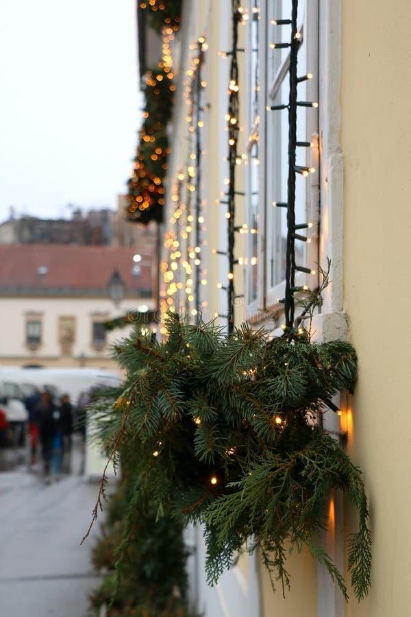 Download Света рождества стоковое изображение. изображение насчитывающей сосенка - 81803991