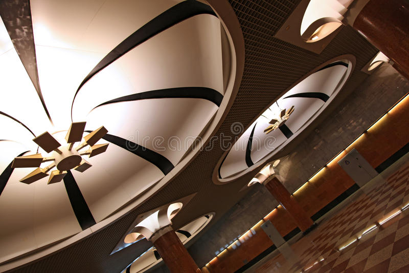 Света стиля Арт Деко надземные на станции метро стоковые фото