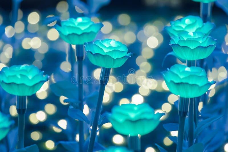 Света украшены как цветки для создания красивого света стоковое фото