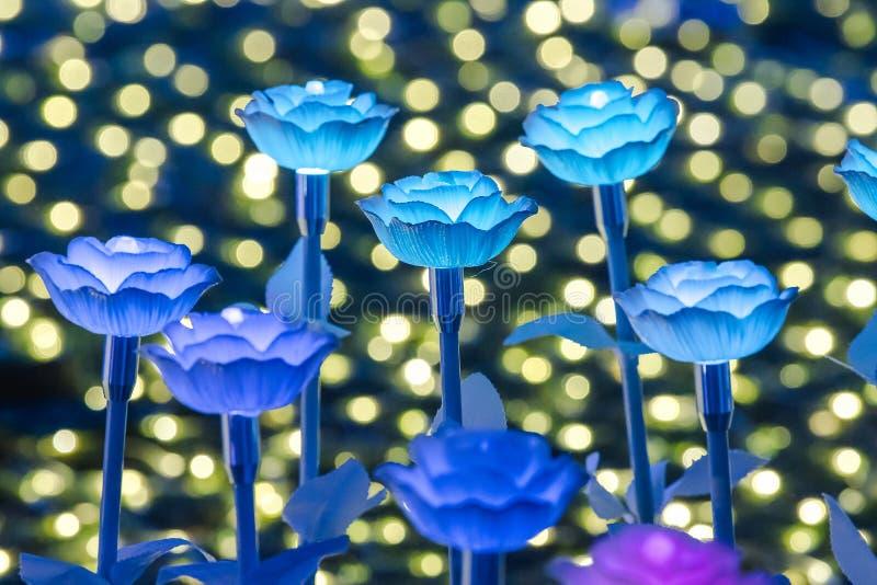 Света украшены как цветки для создания красивого света стоковые фото