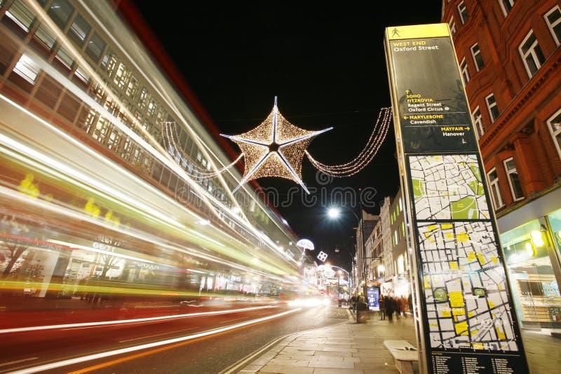 Света 2012 Кристмас на улице Лондона стоковая фотография rf