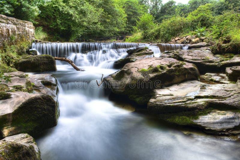 светит водопад brecon стоковая фотография rf