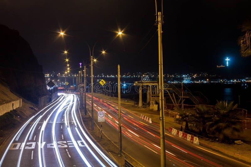 Светлая картина в шоссе вперед к побережью стоковые фото