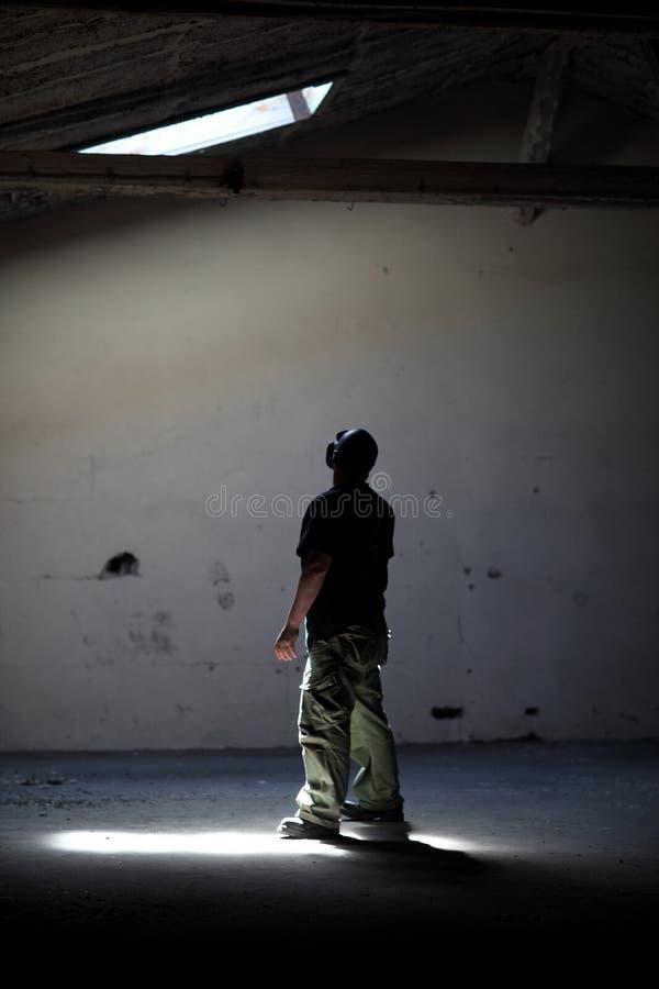 светлое положение человека стоковые фотографии rf