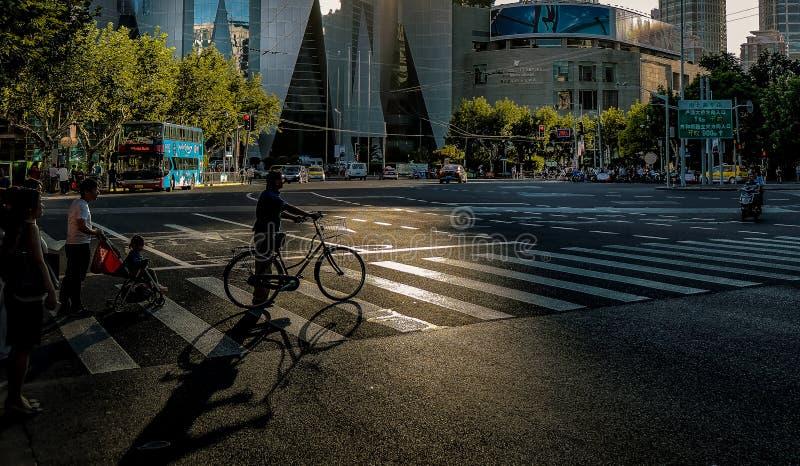 Светлые отражения в центре города стоковое фото rf