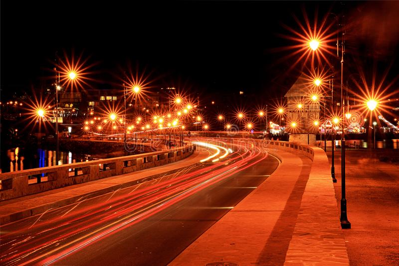 Светящая подача автомобилей стоковые фото