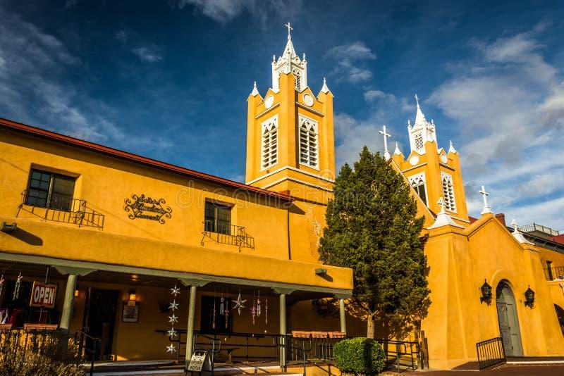 Свет вечера на церков San Felipe Neri, в старом городке, Albuquerq стоковая фотография rf
