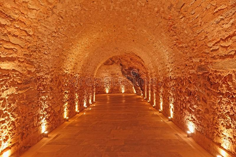 Свет вперед и в конце тоннеля стоковое фото rf