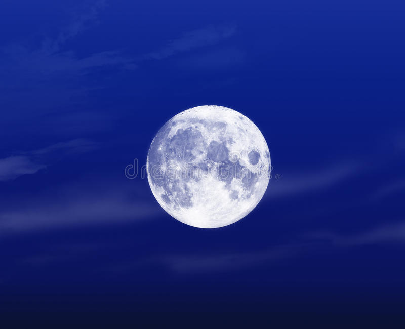 Свет - голубая ноча полнолуния стоковое фото rf