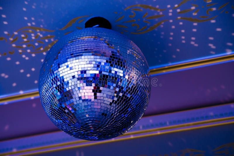 свет диско шарика голубой ретро стоковая фотография