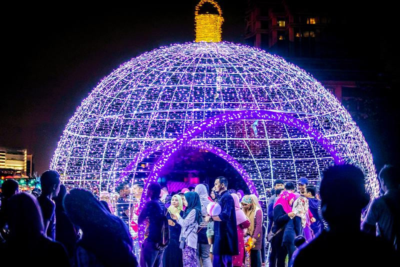Свет и движение фестиваля в Путраджайя, Малайзии стоковые изображения