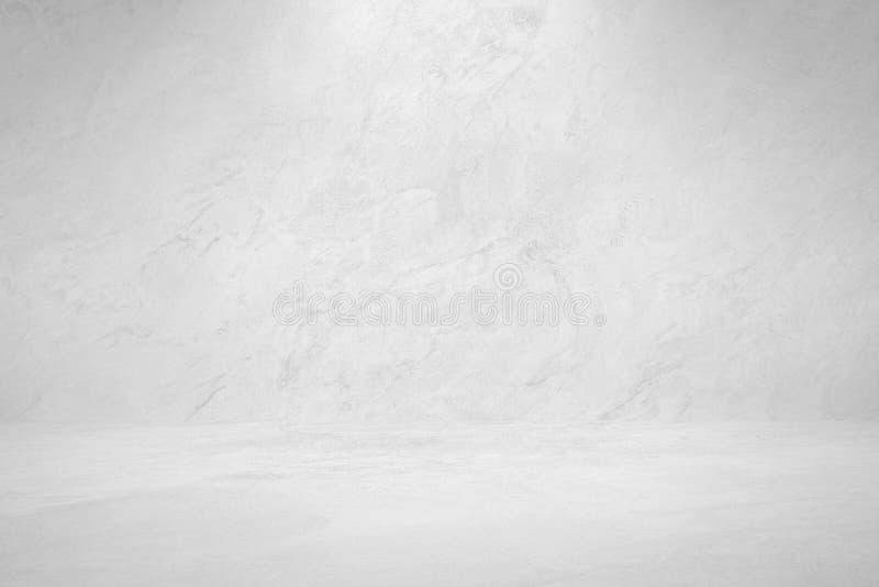 Свет студии фары на градиентах предпосылки текстуры краски стены цемента черно-белых конструирует для творческого проекта стоковые фотографии rf