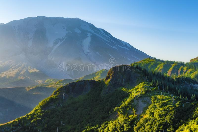 Свет утра на Mt St Helens стоковая фотография