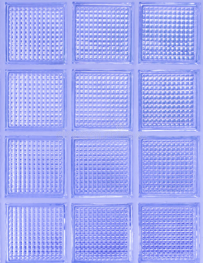 Свет - фиолетовая стеклянная стена стоковое фото