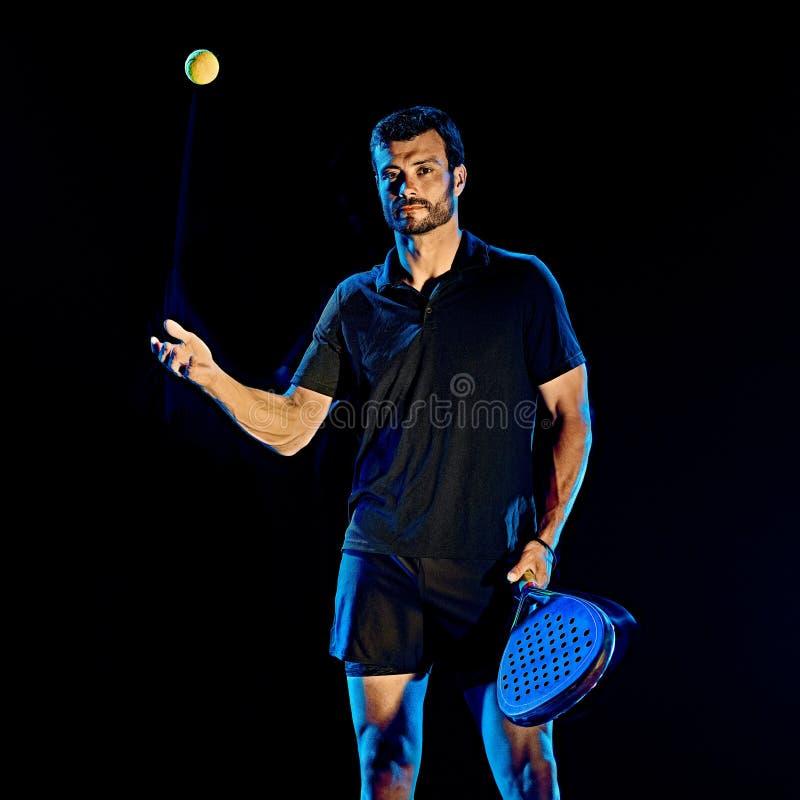 Свет человека теннисиста затвора крася изолированную черную предпосылку стоковые фото