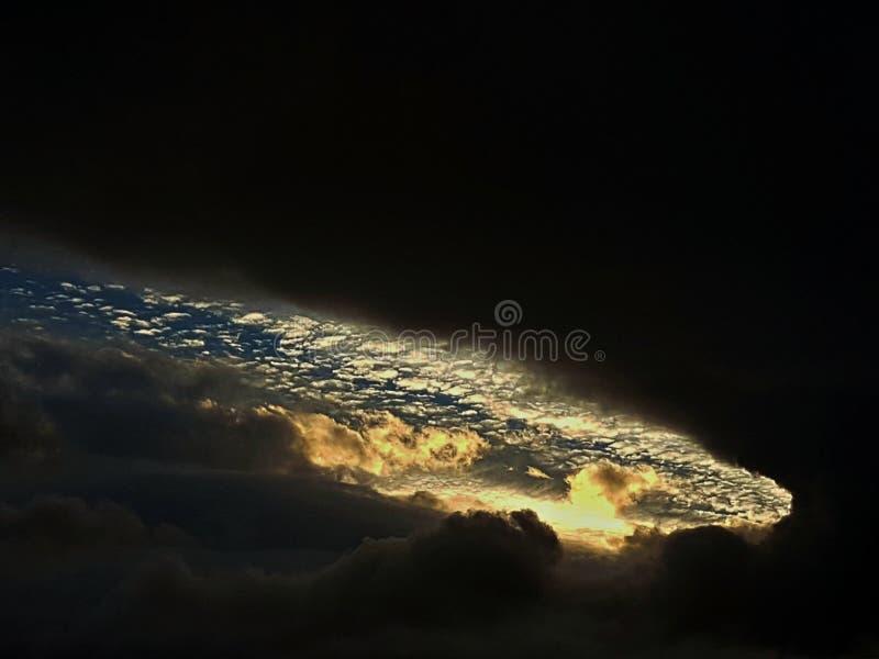 Свет через облака стоковые изображения rf