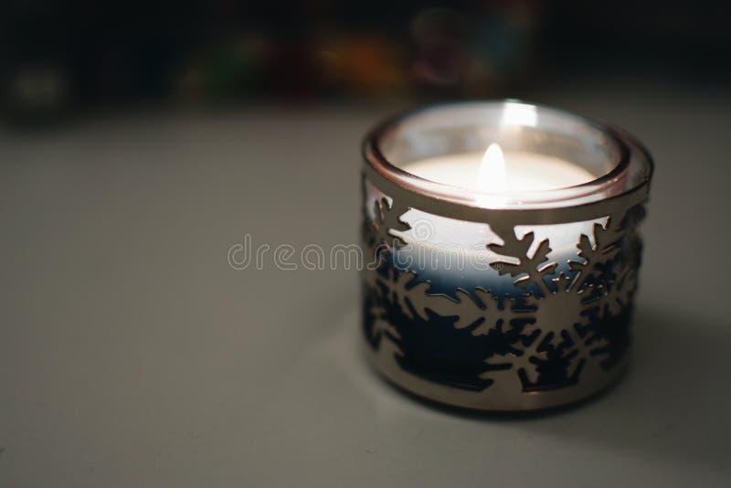 Свеча зимы стоковая фотография rf