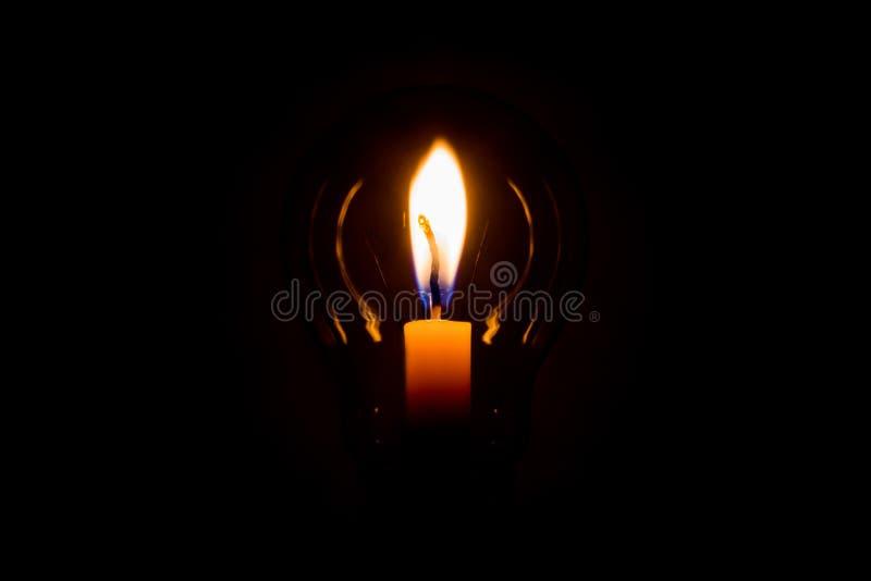 Свеча и лампа стоковое фото