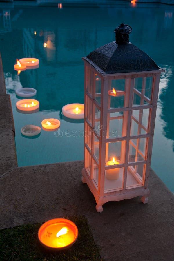 Свеча и держатели для свечи стоковая фотография