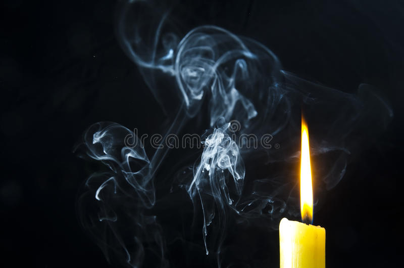 Свеча, пламя, дым стоковые изображения