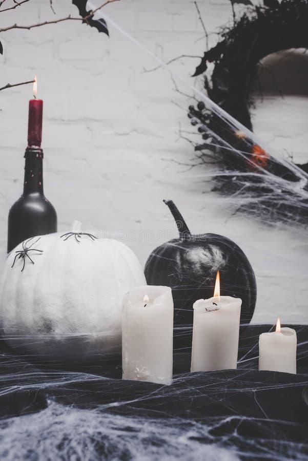 Свечи и украшения хеллоуина стоковое изображение rf