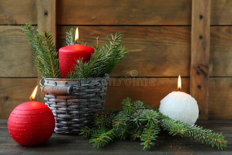 Свечи красного и белого рождества стоковое фото