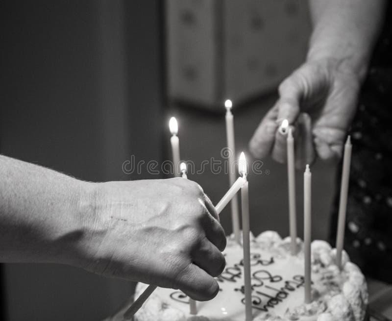 Свечи дня рождения освещения стоковые изображения