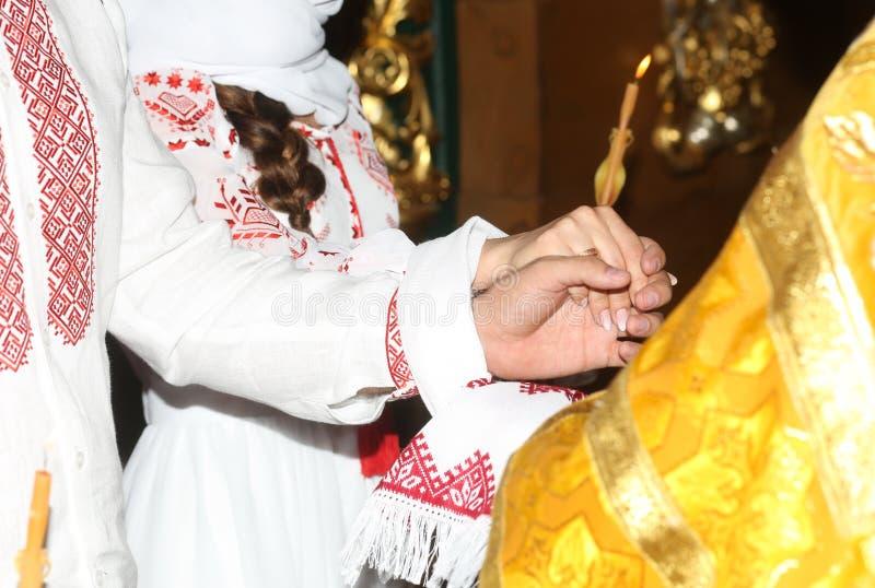свечи украшений собора торжества религиозного обряда стоковые фото
