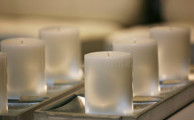 свечки мягко белизны стоковая фотография rf