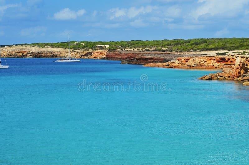 Свободный полет Cala Saona в Formentera стоковые фото