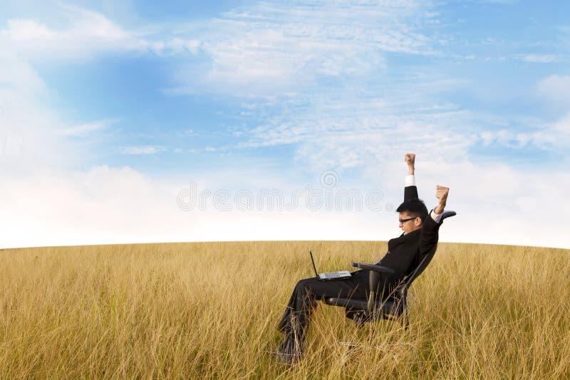 Свободный успешный бизнесмен стоковая фотография rf