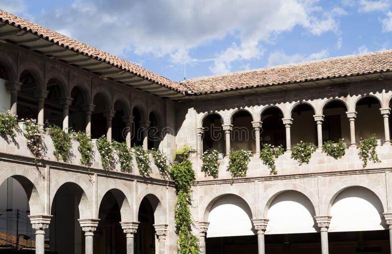 Своды и деталь здания Cusco Перу Южной Америки кафельной крыши стоковые изображения rf