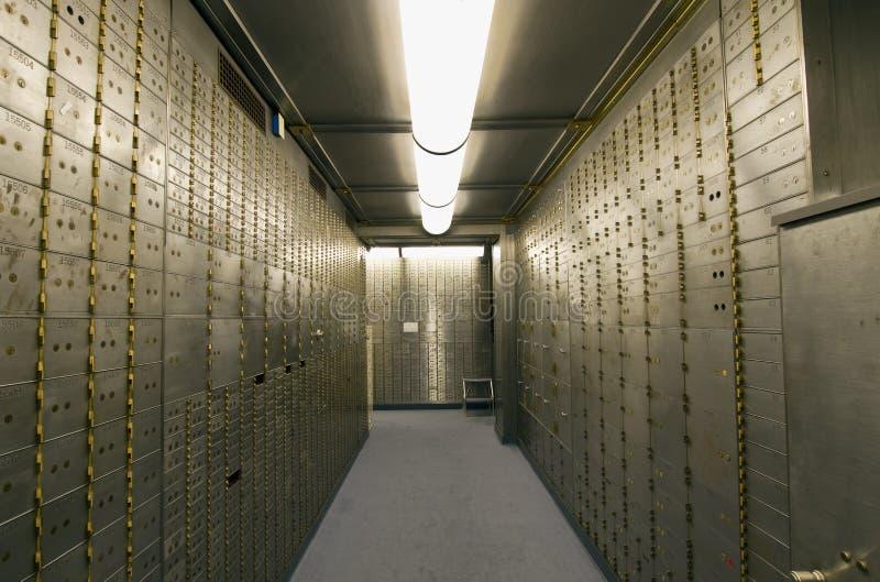 свод сейфа залеми коробки банка стоковые изображения