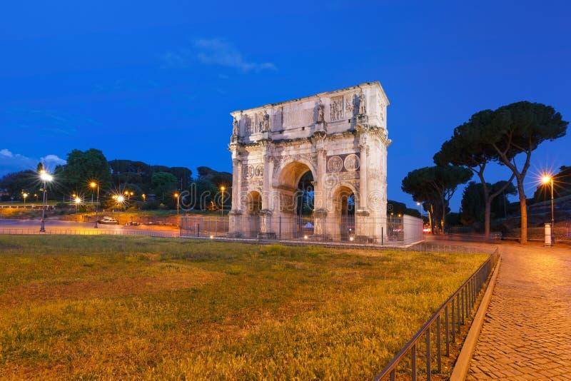 Свод Titus на ноче, Рим, Италия стоковая фотография rf