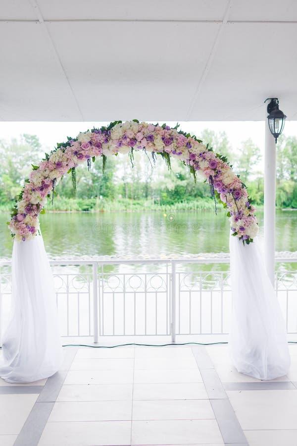 Свод свадьбы стоковые изображения