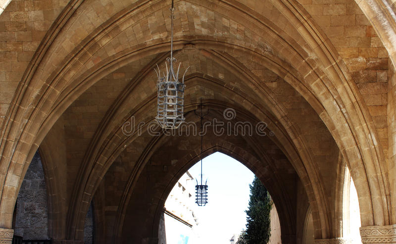 Сводчатый потолок старого замка стоковые изображения